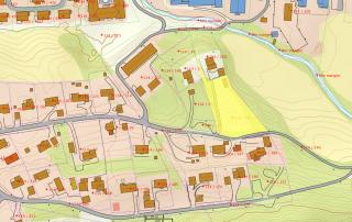 Tomten er gulmarkert på kartet